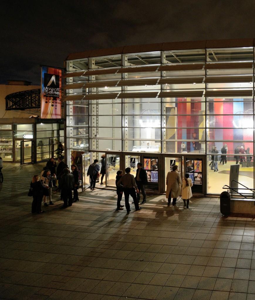 efec1ebe9993 entreeprincipale exterieur nuit - l Avant Seine   Théâtre de Colombes
