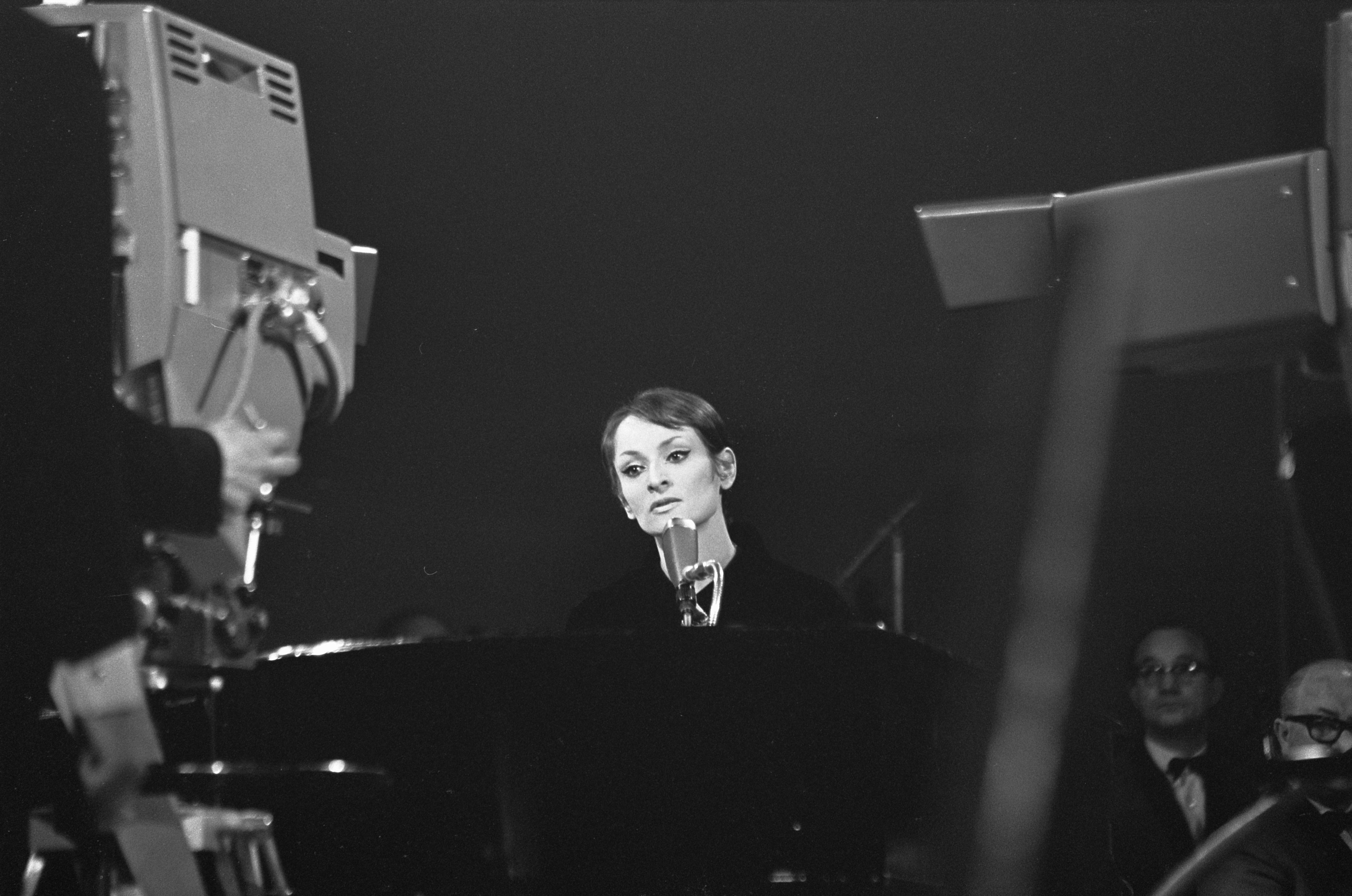 Grand_Gala_du_Disque_Populaire_1968_-_Barbara